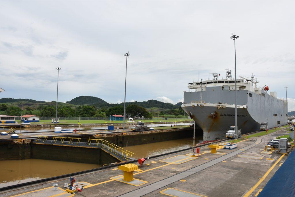 Warten am Panamakanal