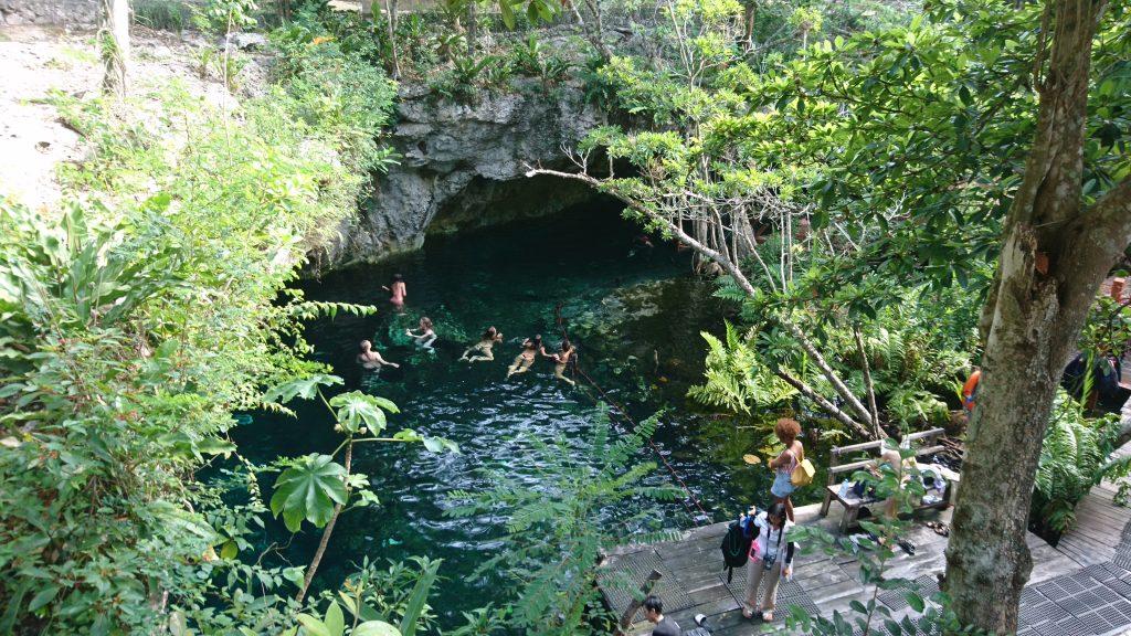 Blick in die Gran Cenote Tulum