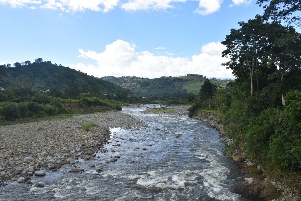 Fluss Rio Orosi