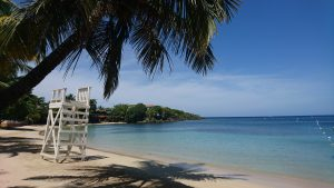 half moon bay roatan
