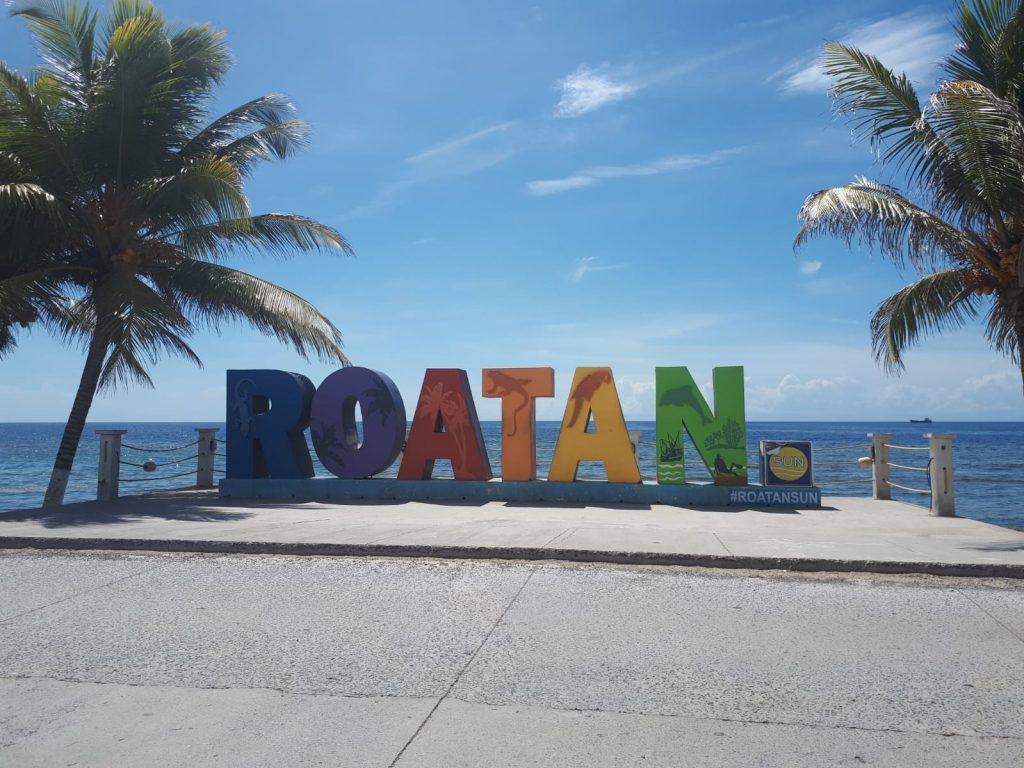 roatan lettering