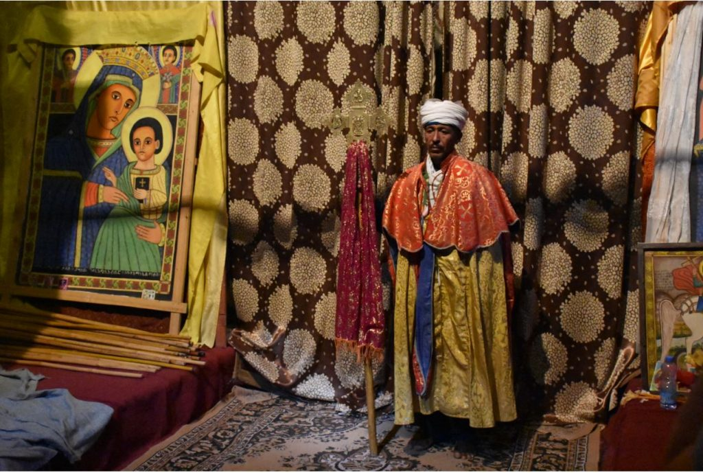 Felsenkirchen von Lalibela Priester