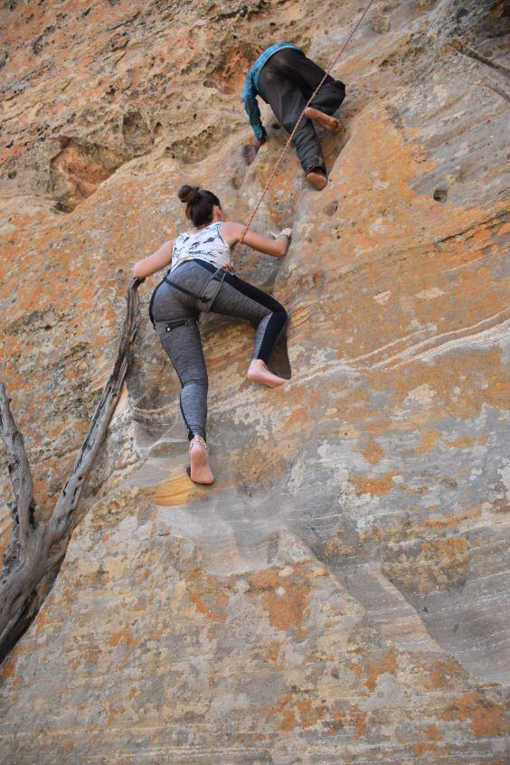Lisa klettert